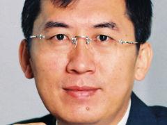 Professor Ke Lu