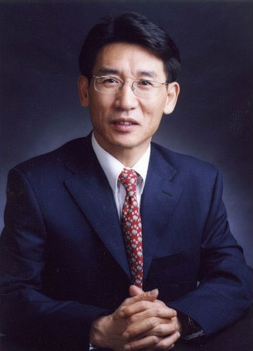 HKIAS Senior Fellow Professor Qi-Kun Xue receives the 2020 Fudan-Zhongzhi Science Award