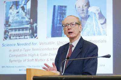 Distinguished lectures on materials and infinity