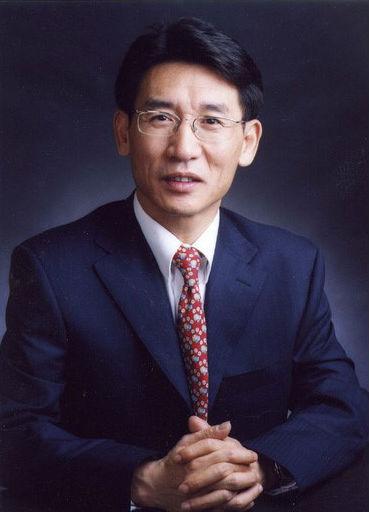 Professor Xue Qi-Kun